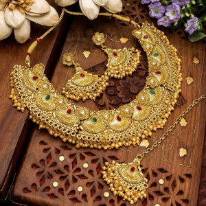 Beautiful Golden Imitation Jewellery With Earrings