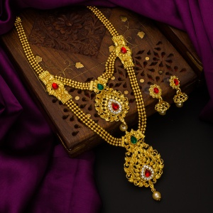 Necklace Sets Of Beautiful Golden Color